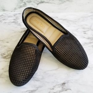Me Too black perforated loafer size 9.5